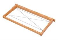 Рамка для улья Рута собранная с проволокой на скобах из хвои.
